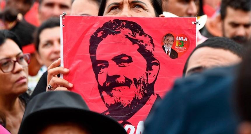 Con fallo dividido, la Corte de Brasil resolvió que Lula puede ir a prisión