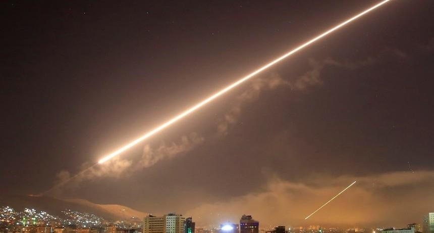 Cómo funcionan los misiles de última generación que usaron en el ataque a Siria
