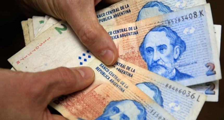 Hoy salen de circulación los billetes de dos pesos