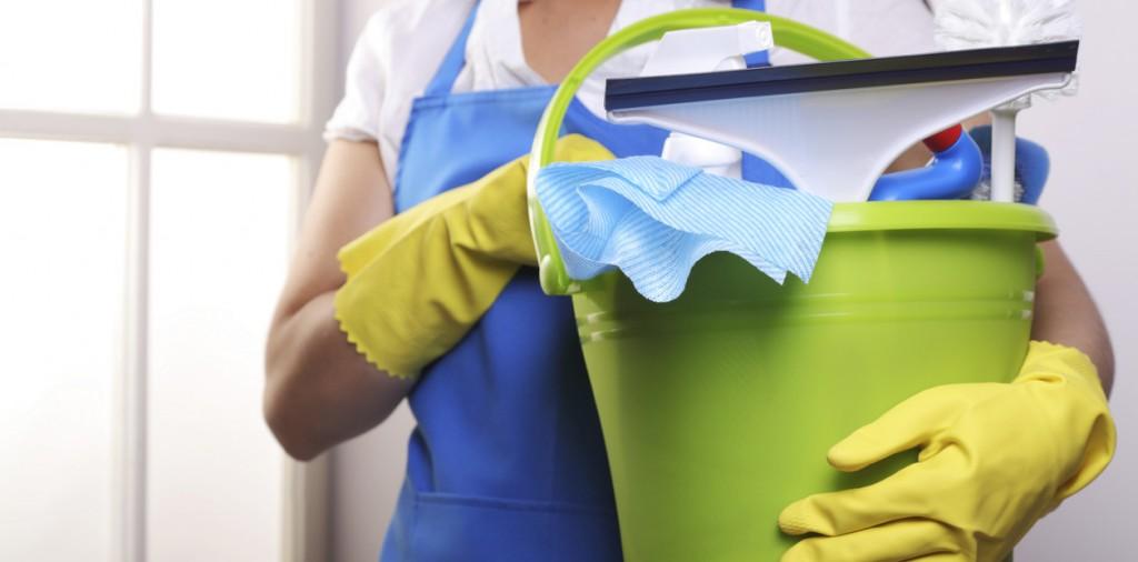 Hoy es el día de las empleadas domésticas: Deben tener libre o cobrar doble
