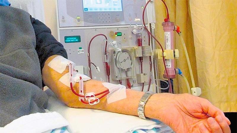 Advierten que 300 centros de diálisis están en peligro de cierre
