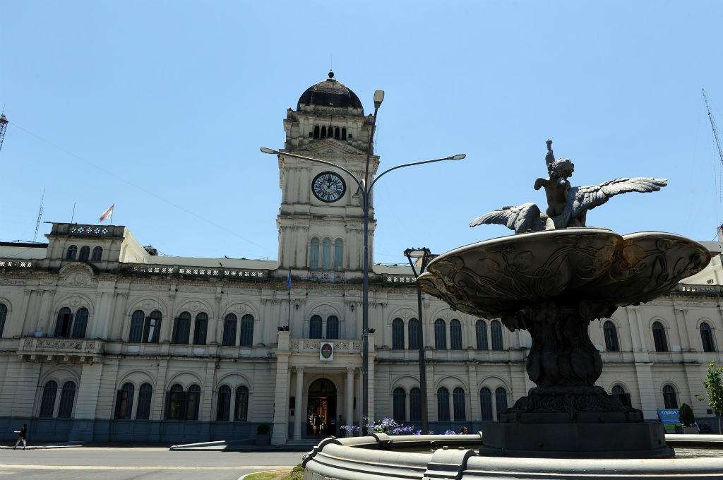 La administración pública entrerriana cobrarán sus haberes desde el miércoles 1 de mayo