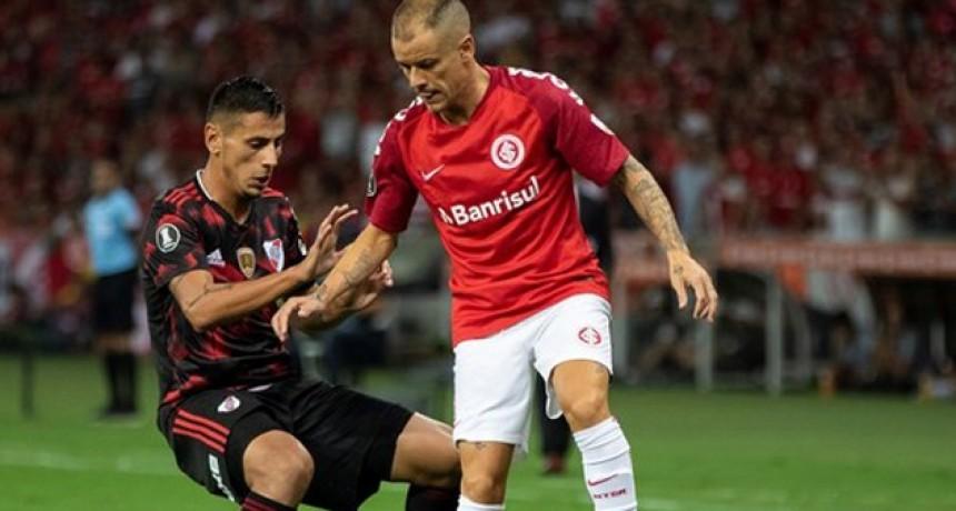 Copa Libertadores: River rescató un empate ante Inter en Porto Alegre