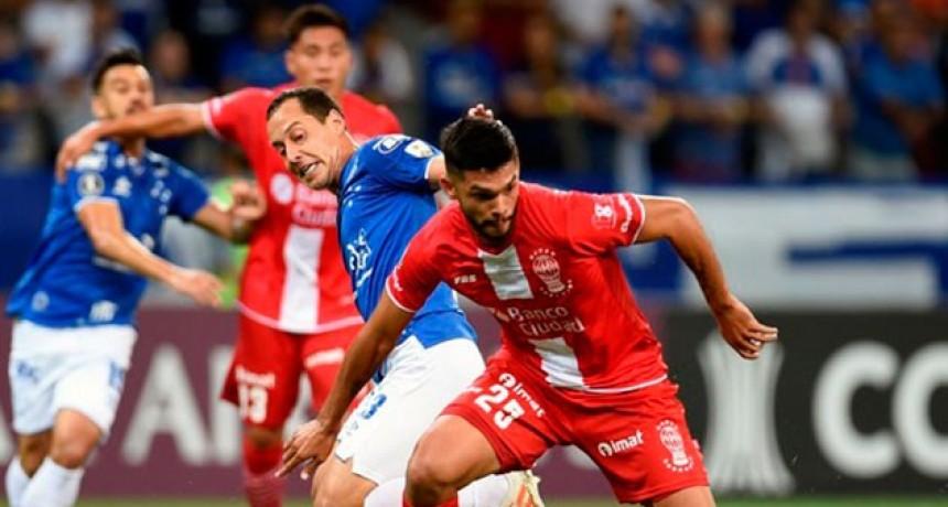 Copa Libertadores: Cruzeiro goleó a Huracán y quedó último en su grupo