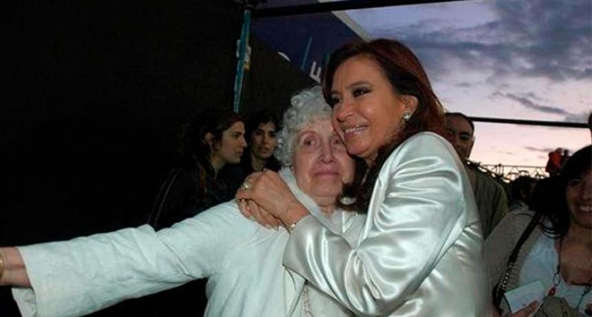 Murió la madre de Cristina Kirchner y la ex presidenta suspendió su viaje a Cuba