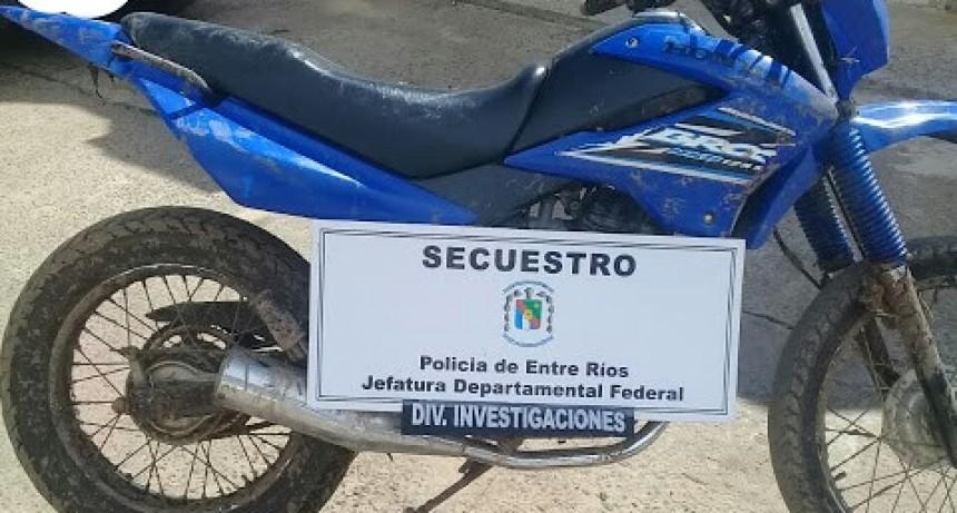 En vivienda de Bario El Silbido recuperan moto que fuera robada  el domingo
