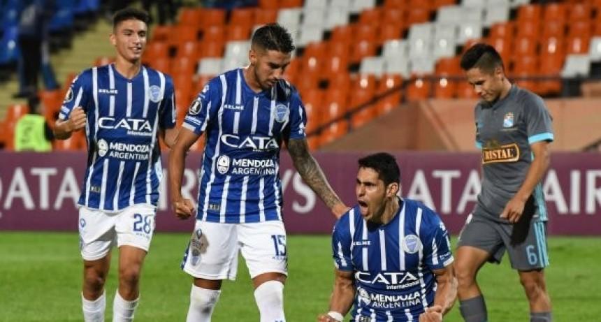 Godoy Cruz le ganó a Sporting Cristal y dio un paso clave hacia la clasificación