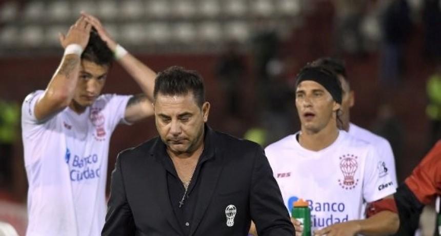 Huracán y una noche de terror: perdió, quedó eliminado de la Copa y se fue Mohamed