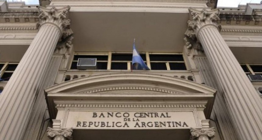 Nueva medida del Central para frenar el dólar: Eliminó