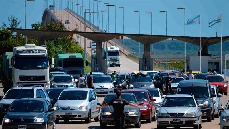 Habilitarán ocho pasos fronterizos y podrán ingresar 500 personas por día