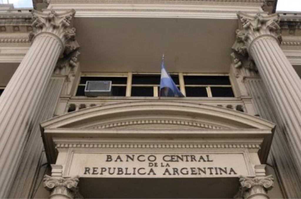 El Banco Central anunció que el Ingreso Federal de Emergencia se cobrará en cajeros automáticos
