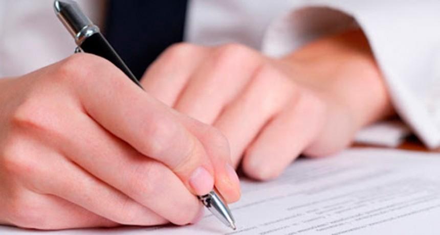 Incluyen la actividad notarial como servicio