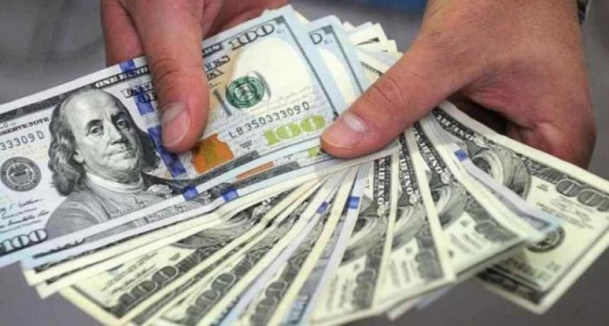La semana que viene se podrá depositar y retirar dólares de los bancos