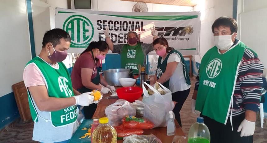 Ate Seccional Federal y la Cta Autonoma entregaron viandas en el Barrio de Campo de Mayo