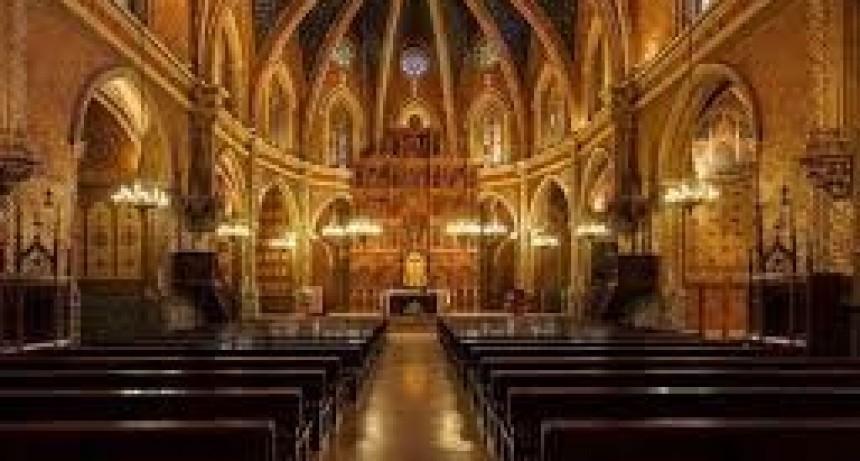 Los templos continuarán cerrados y las misas sin fieles presentes