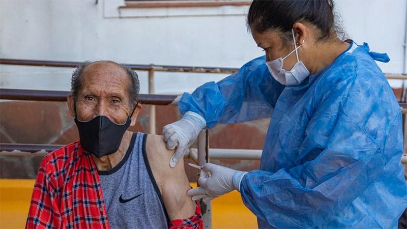Lenta baja de casos de coronavirus en la provincia: reportaron 524 positivos