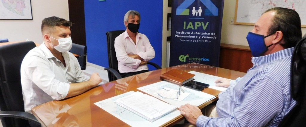 La provincia avanza en soluciones habitacionales para Federal y Ubajay