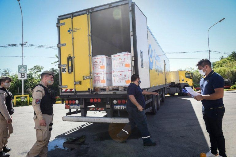 Comienza la distribución de vacunas y enviarán 24.400 dosis a Entre Ríos