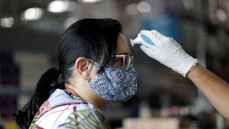 Brasil estudia casos de infectados con dos variantes de covid en simultáneo