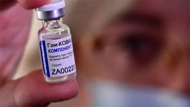 Sputnik V: mostró una eficacia del 97,6% entre 3,8 millones de vacunados
