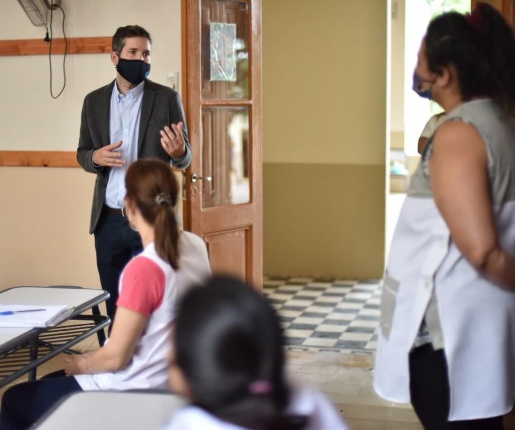 Disponen licencia Covid para docentes