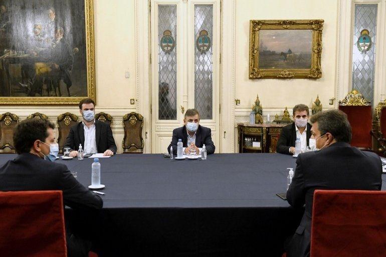 Hay acuerdo entre oficialismo y oposición para postergar un mes las PASO