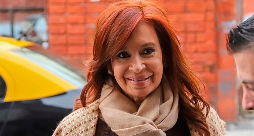 """Causa """"dólar futuro"""": sobreseyeron a Cristina Kirchner y no irá a juicio oral"""