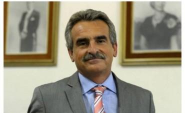 """Agustín Rossi: """"Estamos haciendo mucho énfasis en la formación educativa de las Fuerzas Armadas"""""""