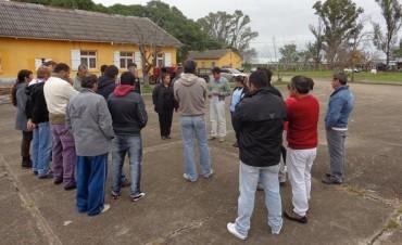 Los empleados del Psiquiátrico siguen reclamando por el mal estado de la ruta