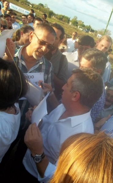 AGMER Federal estuvo en el acto con Urribarri y le entregó un petitorio