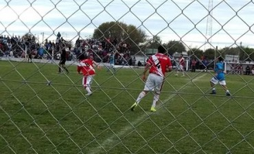 SAUCE DE LUNA juega en el fútbol de Paraná Campaña