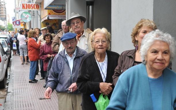 Unos 2,5 millones de jubilados tendrán una mejora del 45 % en sus haberes