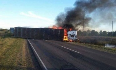 Gravisimo accidente :cinco heridos y un fallecido en un triple choque en la ruta 12