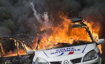 Continúan las violentas marchas por la reforma laboral en Francia