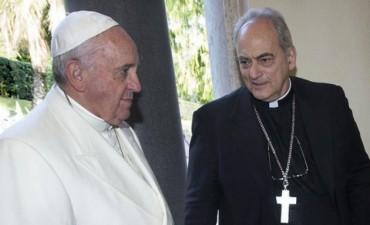 Un arzobispo cercano al papa Francisco subió el tono de las críticas al gobierno de Mauricio Macri