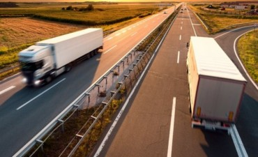 Limitarán la velocidad de los vehículos de transporte desde su fabricación