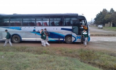 Transporte de alumnos desde Federal a la Escuela Agro