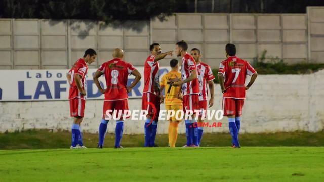 Atlético Paraná empató frente a Crucero del Norte en el Pedro Mutio
