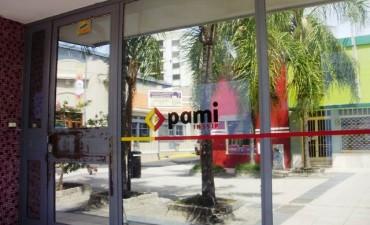Médicos y clínicas interrumpen prestaciones y hay hermetismo en el Pami