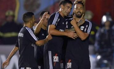 Deportivo Riestra dio la primera sorpresa de la Copa Argentina