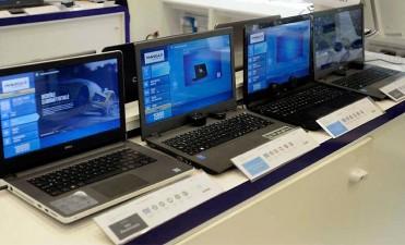 Computadoras, TV y celular: Qué conviene comprar en el país y qué en el exterior