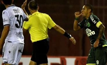 Lanús perdió como local ante Chapecoense pero reclamará los puntos