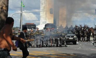 Temer moviliza al Ejército ante escalada de protestas en Brasilia