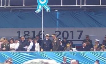 Bandas militares celebraron los 207 años de la Revolución de Mayo, ¿con un error histórico?