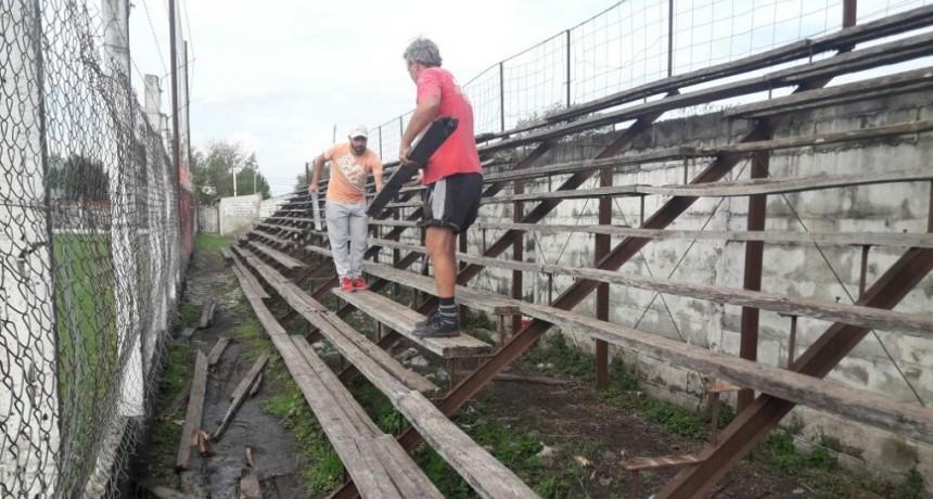 Comenzaron los trabajos de refacción en las tribunas del Club Las Flores
