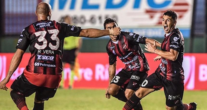 La terna arbitral de Patronato y Banfield marcará un hito en el fútbol argentino