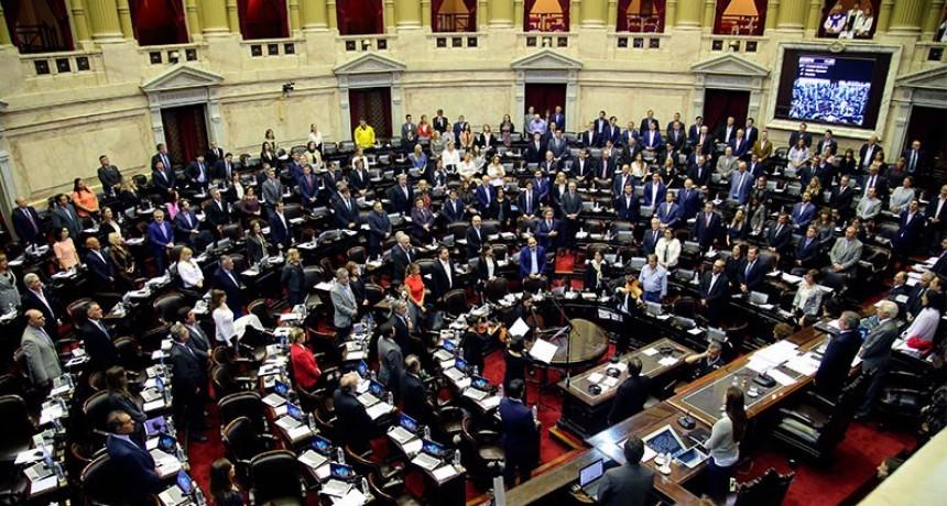 La oposición dio media sanción al proyecto para retrotraer el aumento de tarifas
