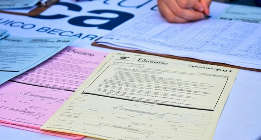 Estudiantes de la zona rural podrán cobrar su beca provincial por débito
