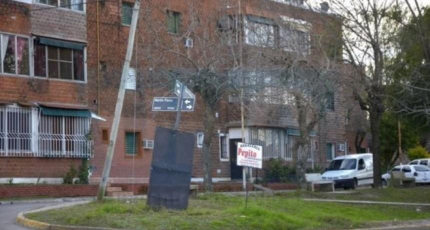 Una mujer de Sauce de Luna murió al caer del tercer piso en el barrio José Hernández