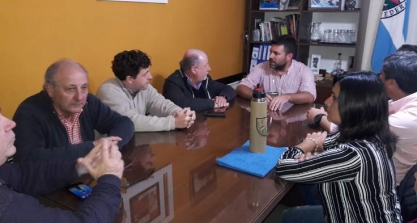 Busti se reunió con los intendentes de Feliciano y Federal